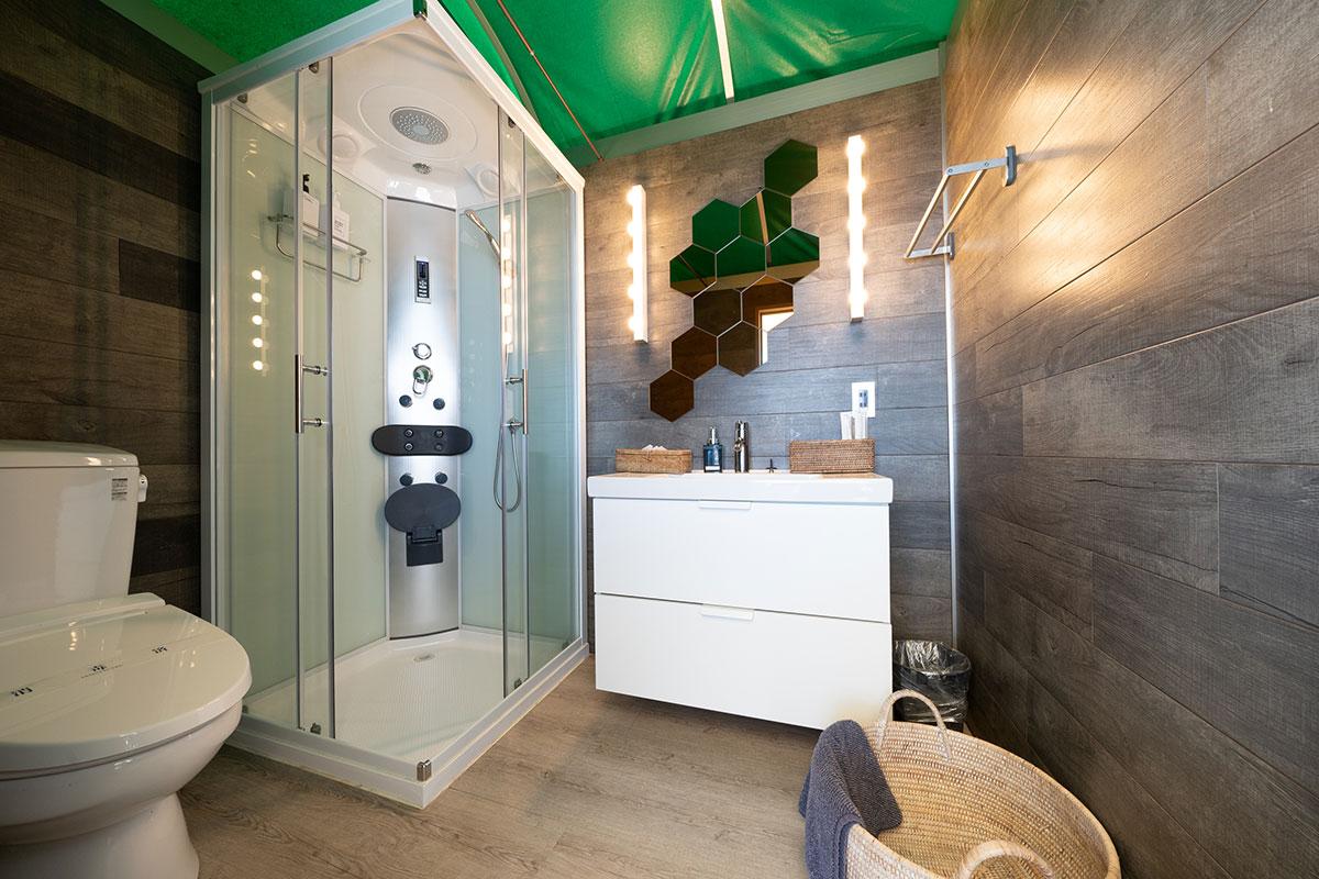 シャワー・トイレスペース